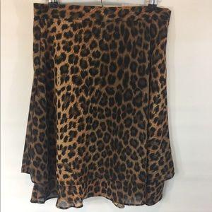 Dresses & Skirts - Knee length layered leopard skirt !